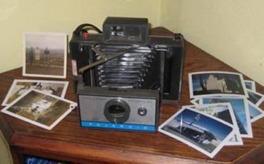 Polaroid 210 Automatic Land Camera