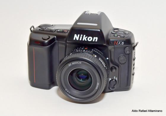 NikonN90s