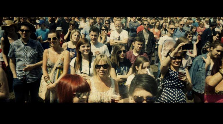 Tramlines Crowd by Tony Kemplen